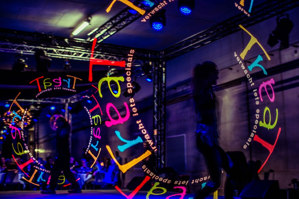 LED Shows - Personalize your own show - Lights in Motion