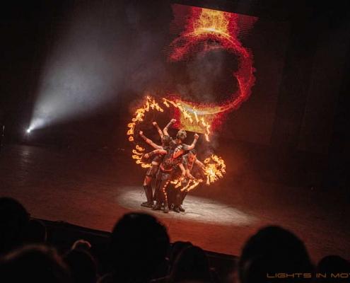 Bobbejaanlad-LightsinMotion-vuurshow-24