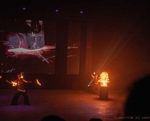 Bobbejaanlad-LightsinMotion-vuurshow-26