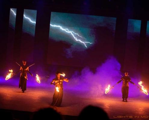 Bobbejaanlad-LightsinMotion-vuurshow-28