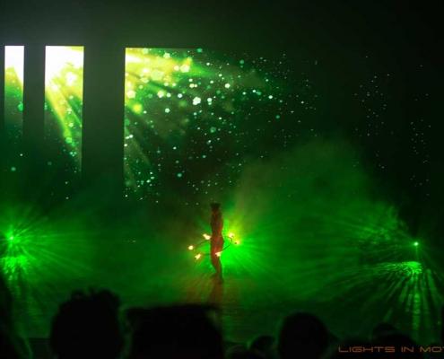 Bobbejaanlad-LightsinMotion-vuurshow-3