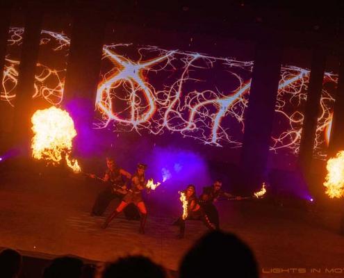 Bobbejaanlad-LightsinMotion-vuurshow-30