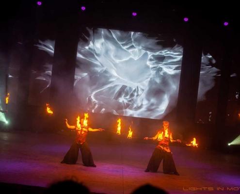 Bobbejaanlad-LightsinMotion-vuurshow-31