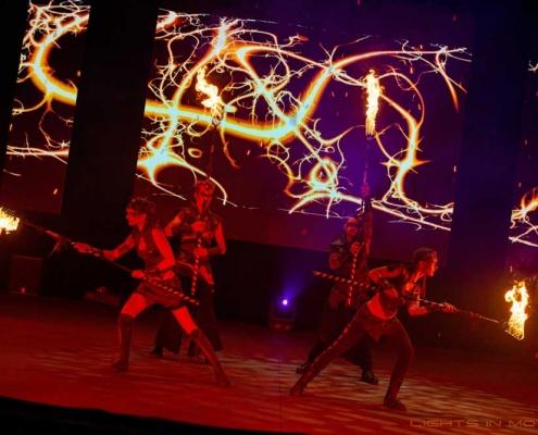 Bobbejaanlad-LightsinMotion-vuurshow-39