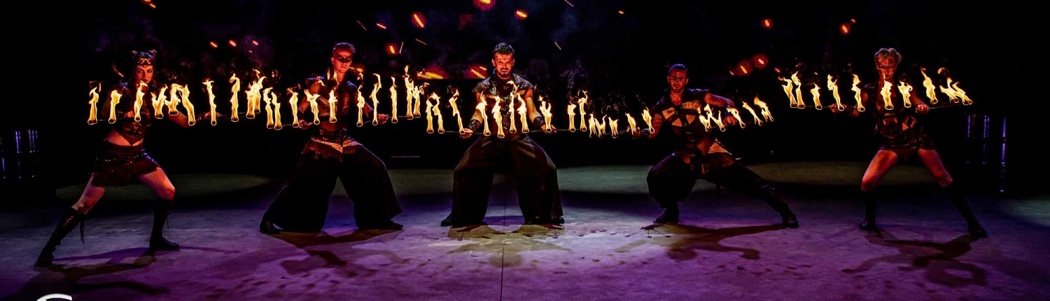 Fireshow-LightsinMotion-The-Legend-12