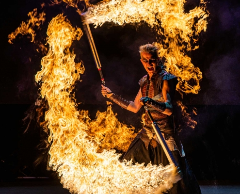 Fireshow-LightsinMotion-The-Legend-17