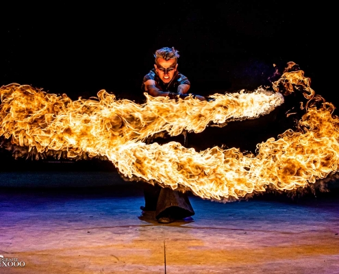 Fireshow-LightsinMotion-The-Legend-18