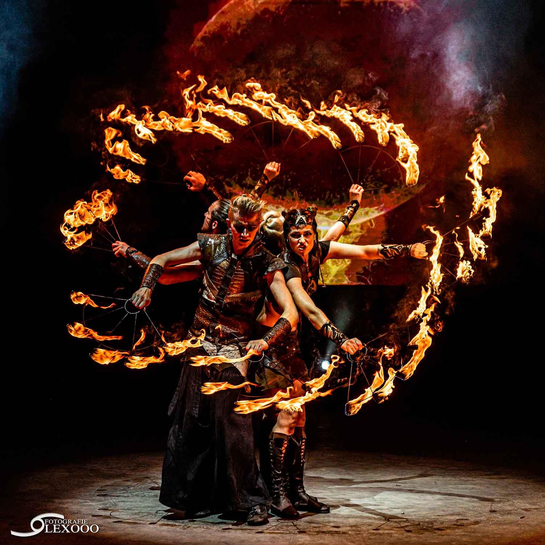 Fireshow-LightsinMotion-The-Legend-20
